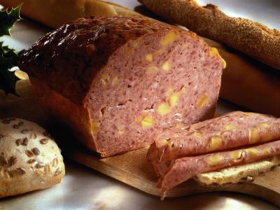 Huisbereide vleeskoek met kaas