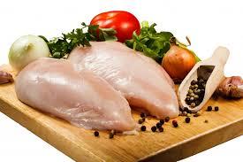 Kippenfilet vers gehalveerd